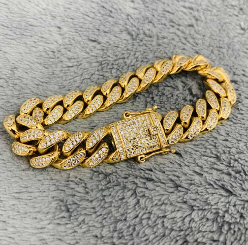 Armband vergoldet vergoldung auffrischen lassen schmuck neu vergolden lassen